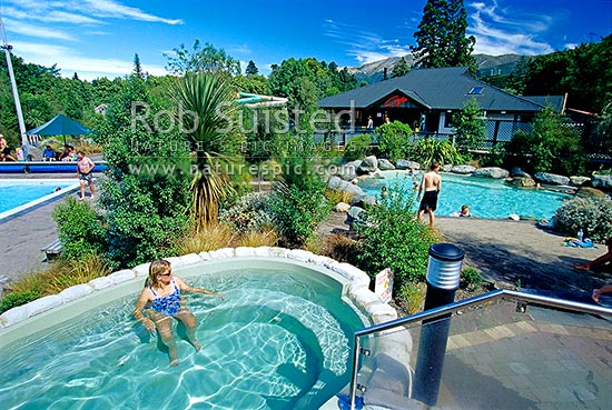 Visitors relaxing in thermal hot pools at the hanmer for Swimming pool design new zealand