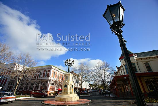 Old gas lighting lamp and 1881 Watt water fountain in Victoria Avenue, Wanganui CBD, Wanganui City, Wanganui District, Manawatu-Wanganui Region, New Zealand (NZ) stock photo.